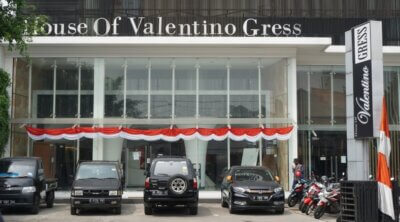 Valentino Gress, Showroom Interior Lantai Premium
