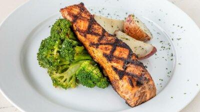 8 Menu Makan Malam Sehat dan Praktis Bergizi Lengkap